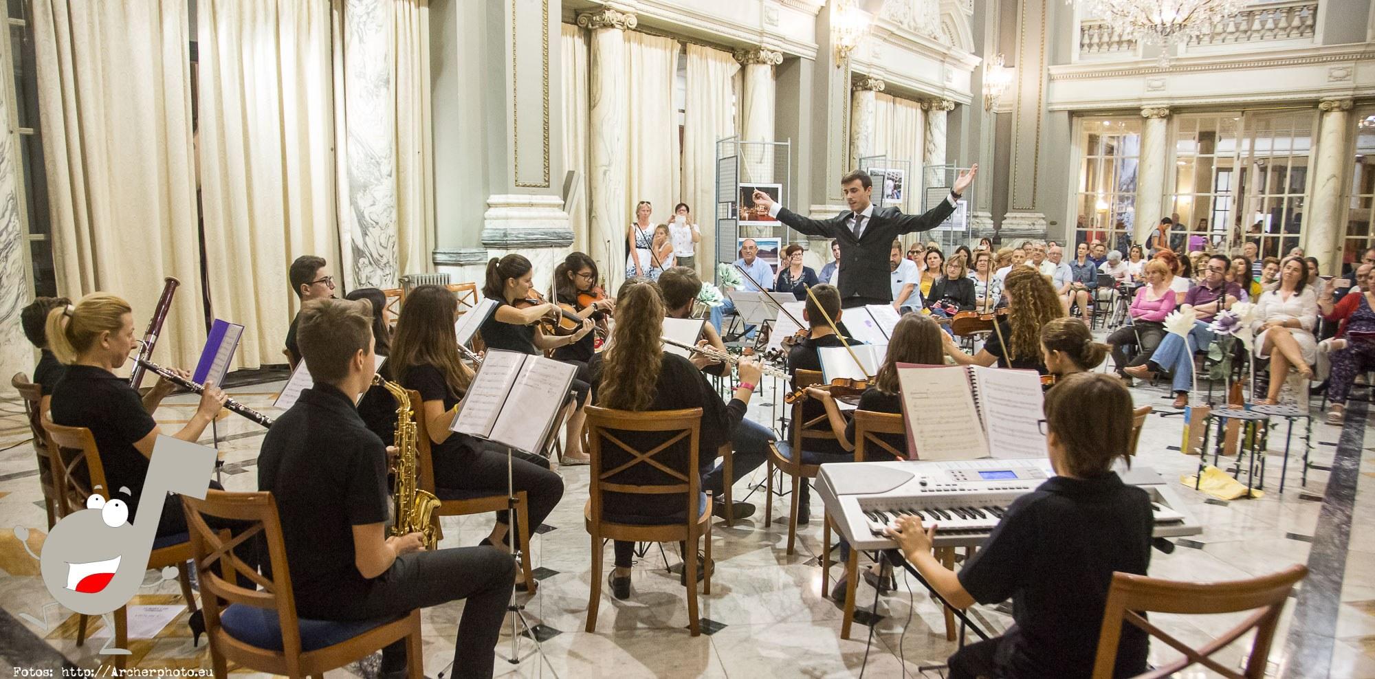 Scordae, orquesta sinfónica infantil en el Ayuntamiento de Valencia por Archerphoto, fotógrafo profesional
