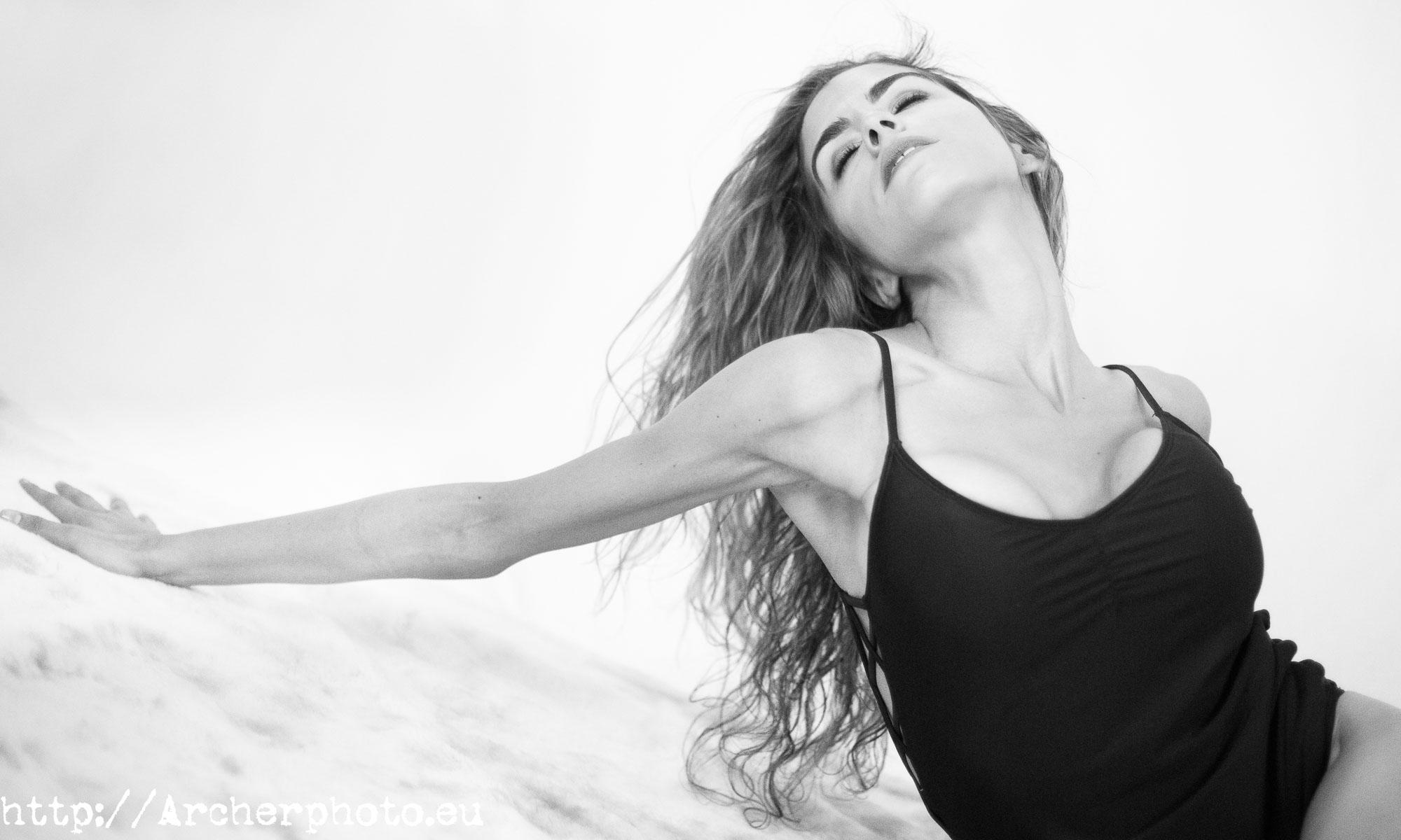 Boudoir en blanco y negro. Sergi Albir, Archerphoto, fotografía profesional en España.