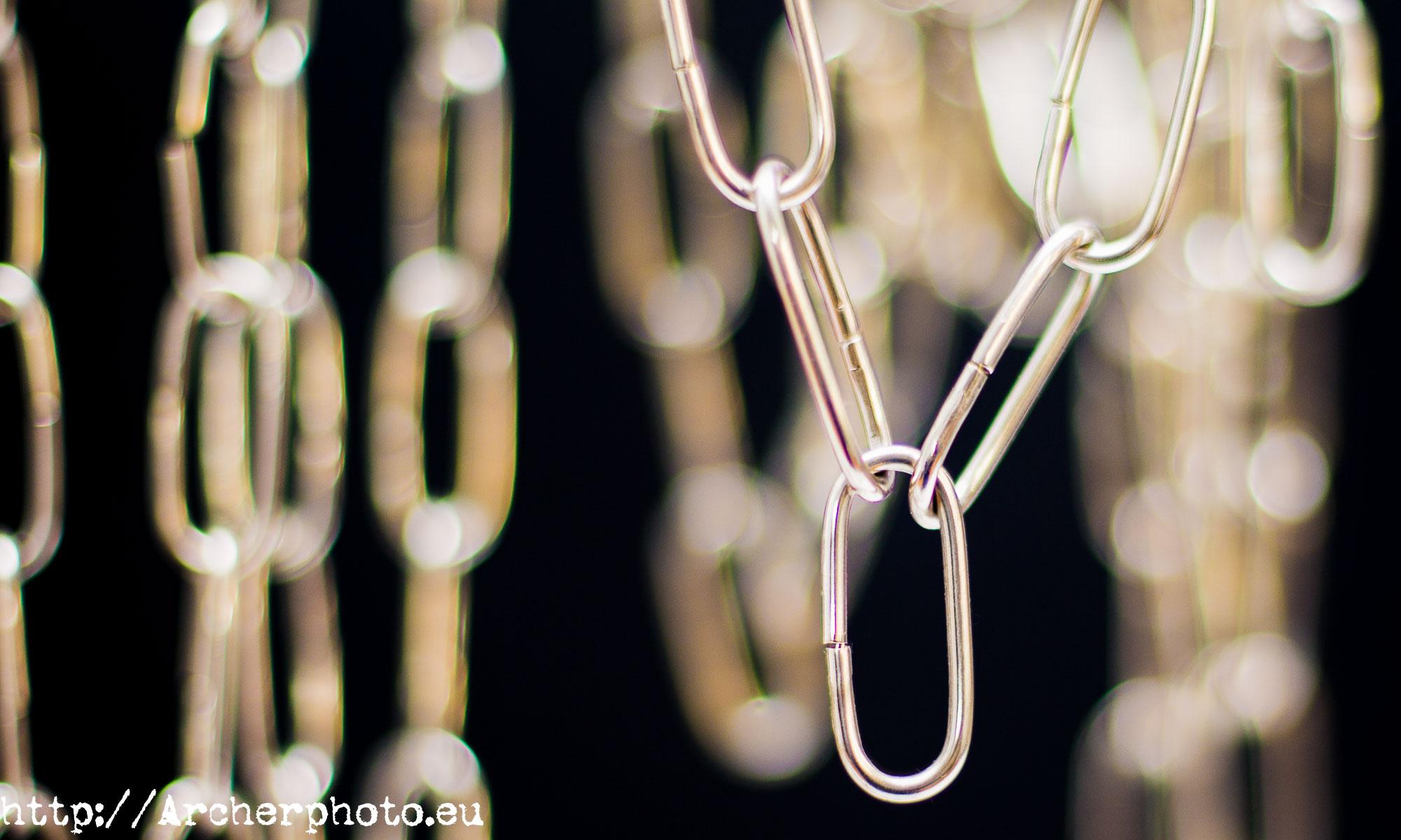 Backlinks: enlaces a nuestra web. Fotografía enlaces, eslabones, Archerphoto