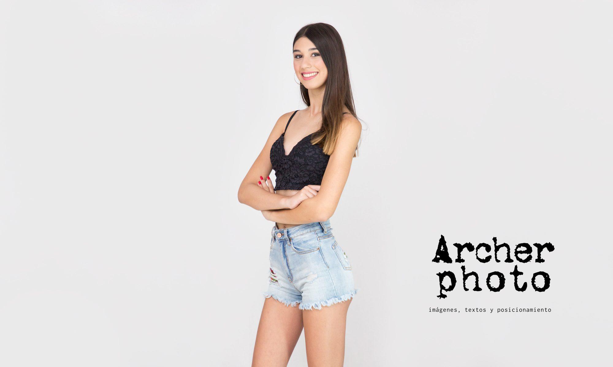 Sònia en estudio fotografico Valencia Archerphoto foto cabecera
