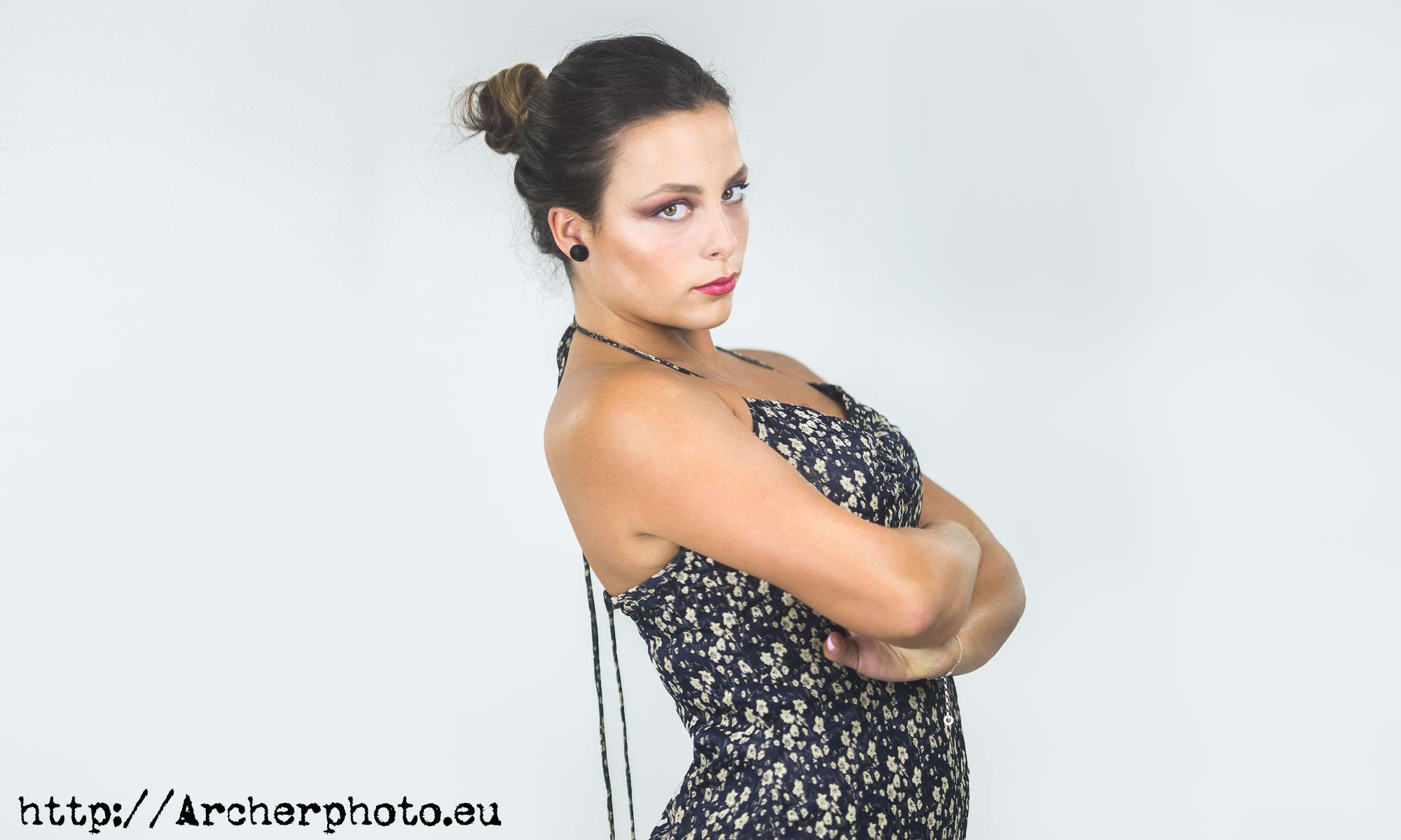 Patricia en el estudio, foto de Archerphoto fotógrafo