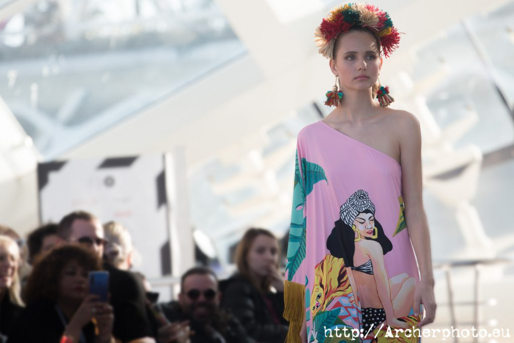 Desfile de Dolores Cortés en el CLEC Fashion Festival, por Archerphoto, fotógrafo profesional