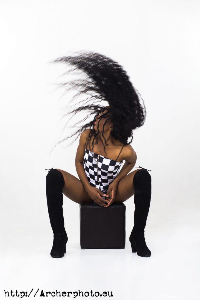 Bety Cris moviendo el pelo por Archerphoto fotografía para modelos en València