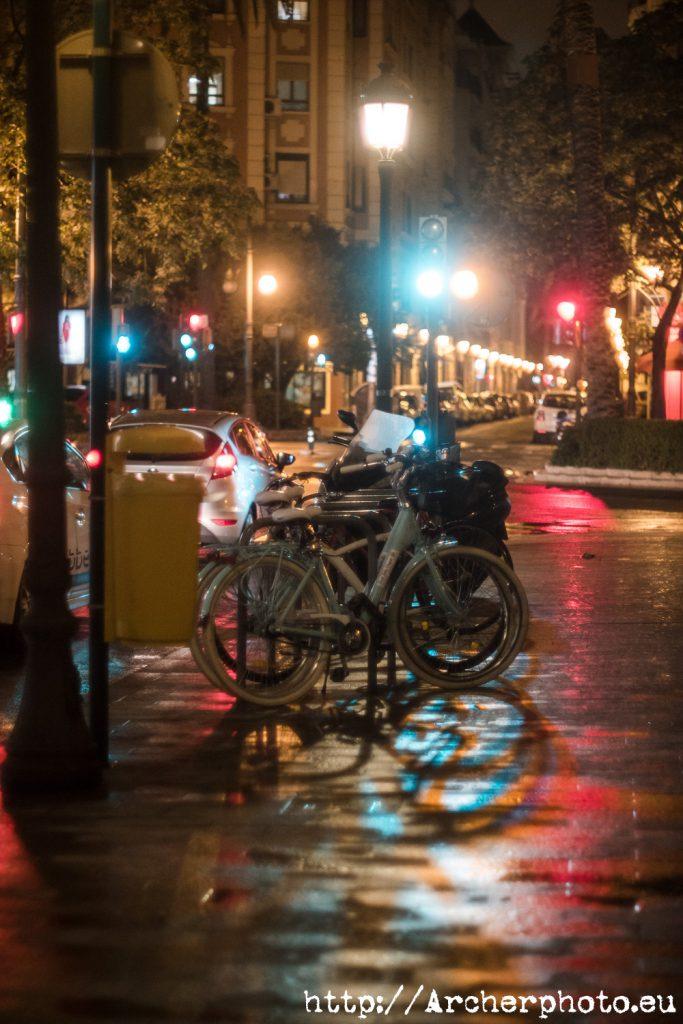 Bicicletas un día de lluvia de 2019 imagen de Archerphoto, fotografos Valencia