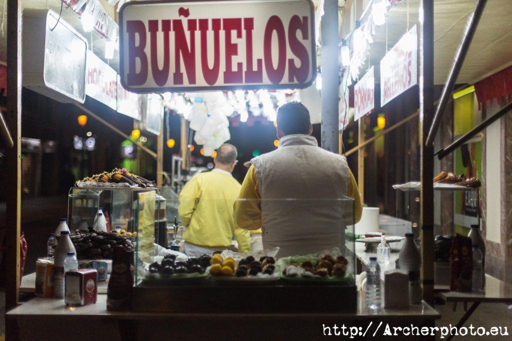 Un post con fotos de un montón de paradas de churros y buñuelos en València, por Archerphoto, fotografo profesional
