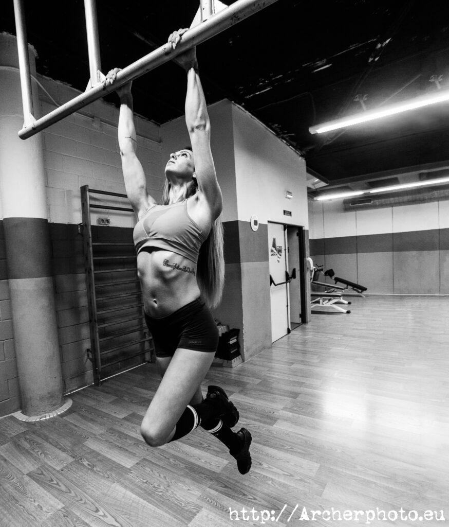 María Herranz en el gimnasio, retratos profesionales y retratos corporativos en Valencia, por Archerphoto, fotógrafo para empresas