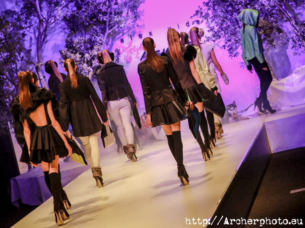 Desfile en la Valencia Fashion Week por Archerphoto